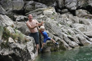 At least one of us had a wetsuit. And even he wasn´t that keen on getting in!